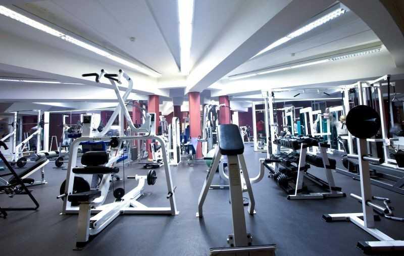 Зал фитнес клуба