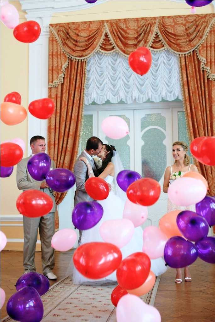 Как украсить комнату шарами своими руками фото