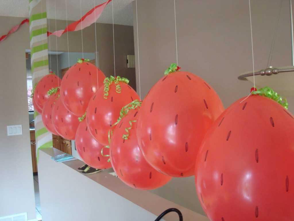 Гирлянды из шариков-фруктов
