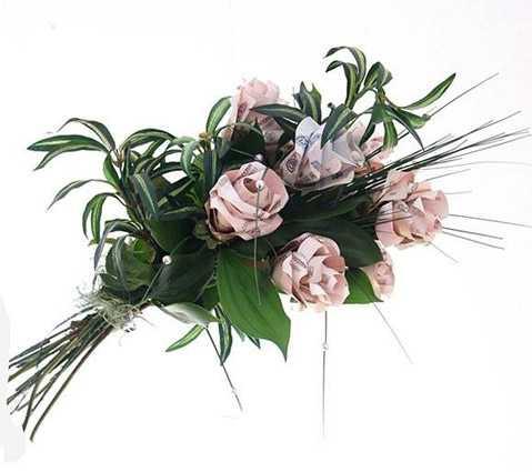 Букет цветов из денег