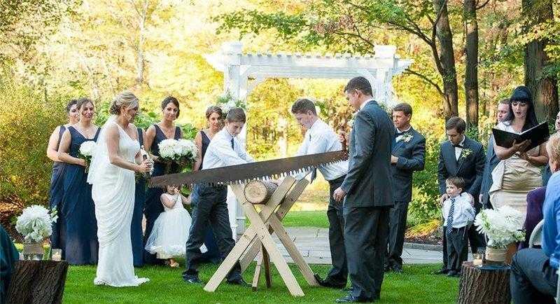 Бревно на свадьбе