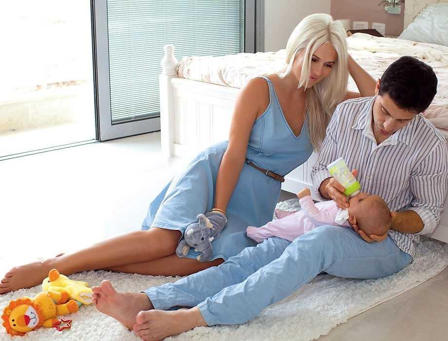 Что подарить жене на рождение сына — 13 идей подарков