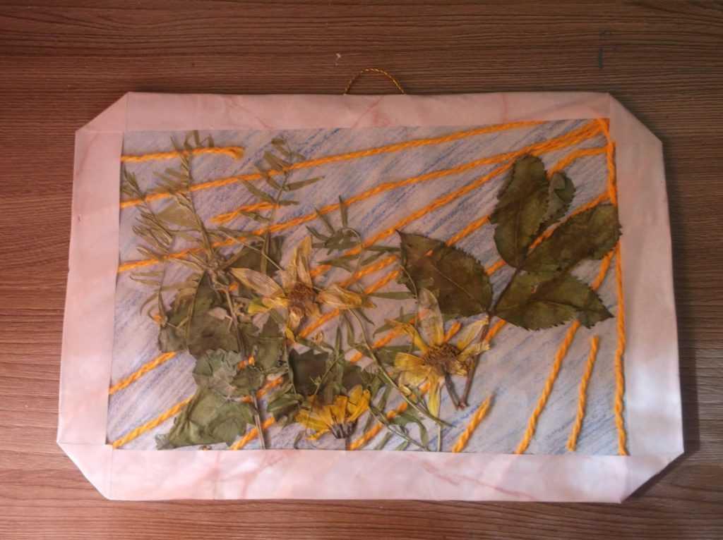 Картина из листьев 14
