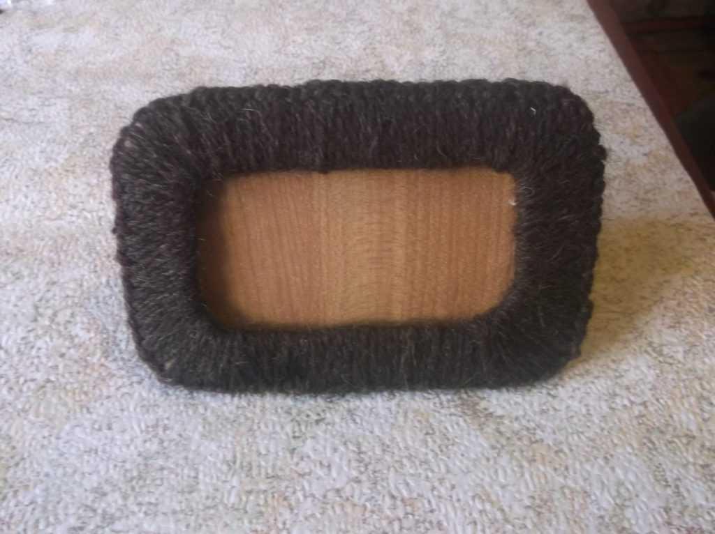 Рамка для фото из шерстяных нитей 19
