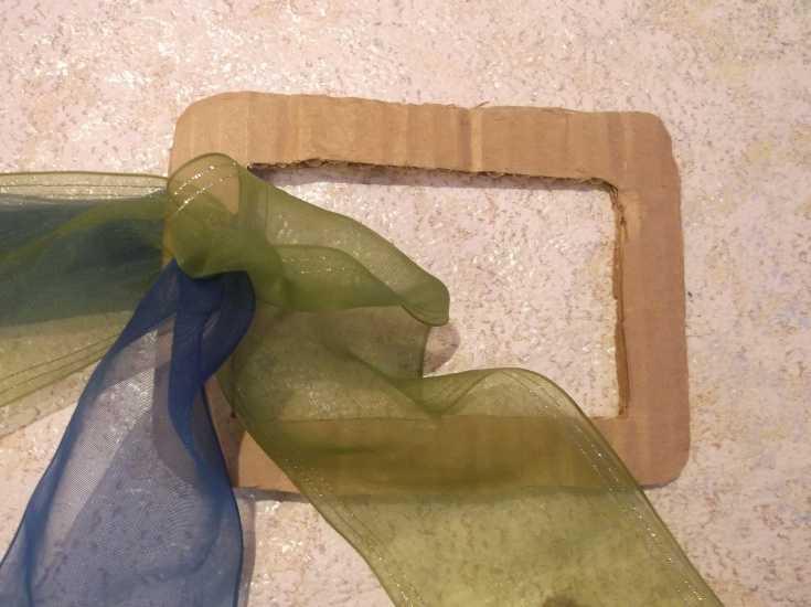 Рамка для фото из капроновой ленты МК 8