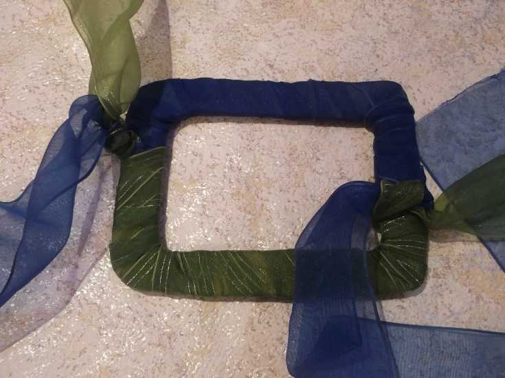 Рамка для фото из капроновой ленты МК 9