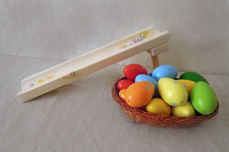 Горка для катания яиц