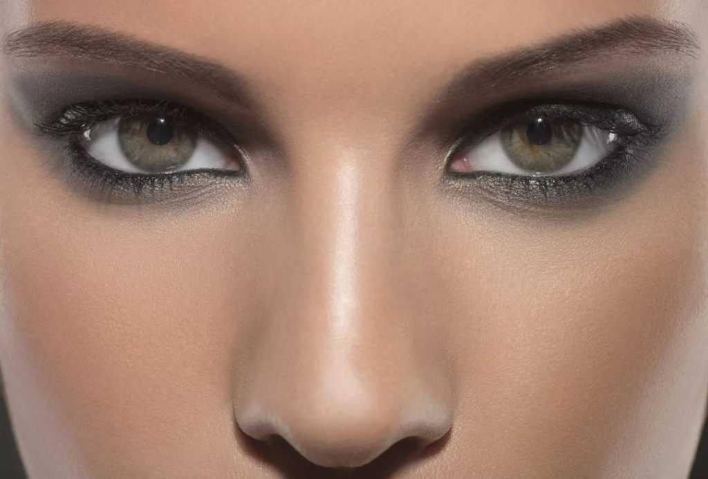 Глаза с «дымчатым» эффектом