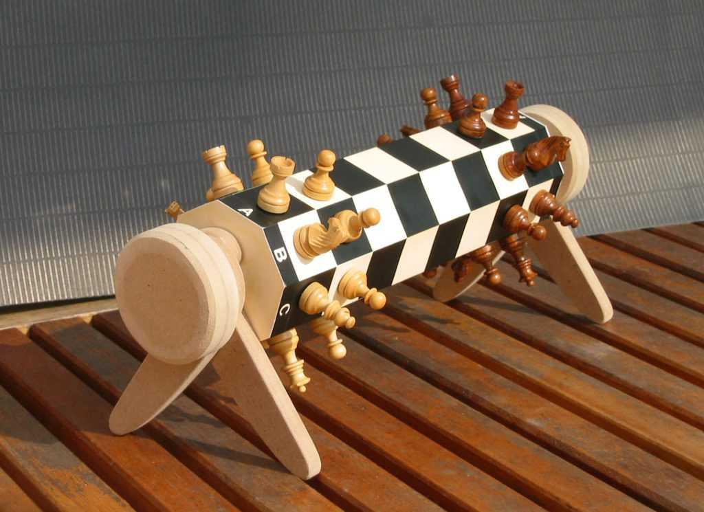 Цилиндрические шахматы
