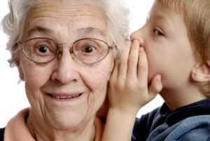 Как поздравить с Днём пожилого человека в стихах?