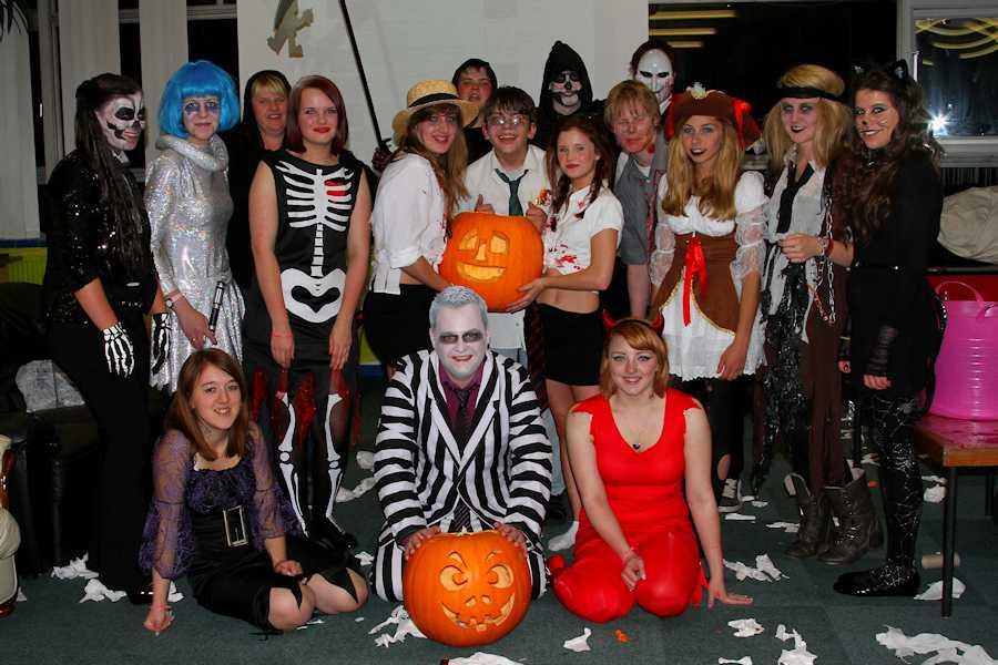 Хэллоуин для старшеклассников - сценарий праздника