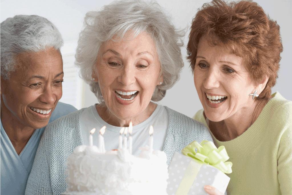 Как организовать юбилей бабушки 70 лет для родных и близких?