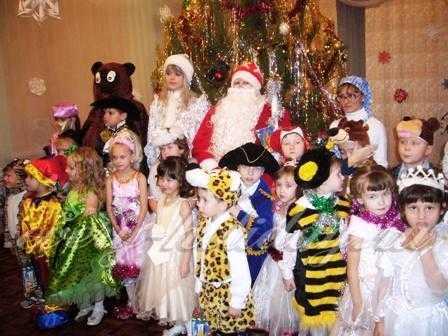 Праздник Новый год в средней группе детсада