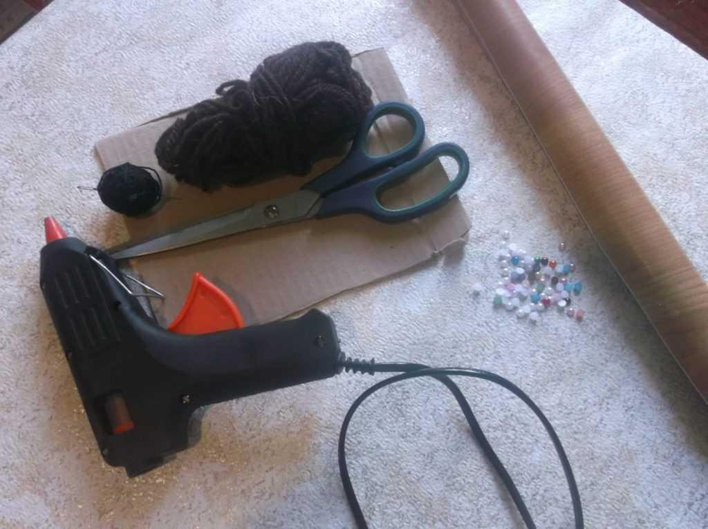 Рамка для фото из шерстяных нитей 1