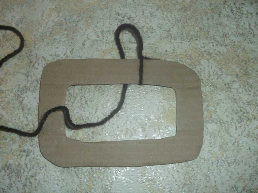 Рамка для фото из шерстяных нитей 3